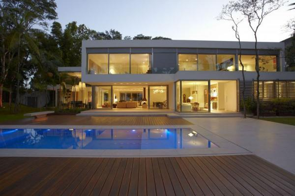 Designed By Drucker Arquitetura In 2009, This Two Story Contemporary Home  Is Located In São ...
