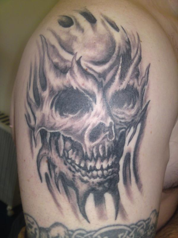 33bacaa252925 skull tattoo - 100 Awesome Skull Tattoo Designs <3 <3 Pin It