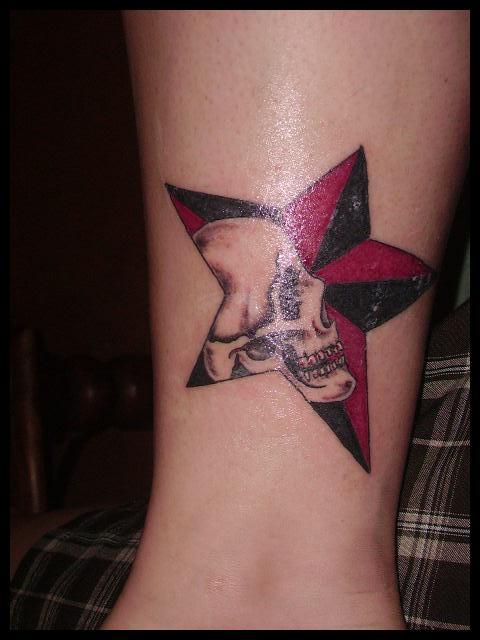 Skull Và sao - 25 ảnh vui nhộn sao Tattoo Designs <3 <3