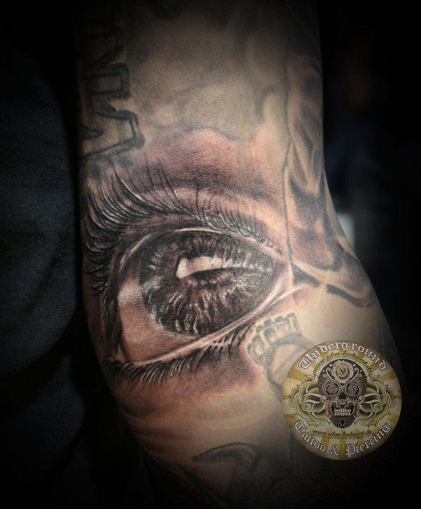 Realistic Eyeball Tattoo