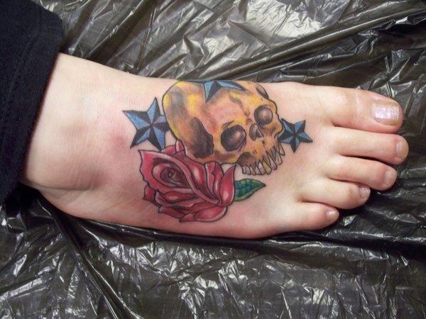 hộp sọ hình xăm trên chân - 50 ảnh vui nhộn Tattoo Designs Foot <3 <3