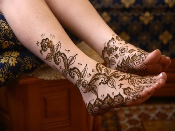 Mehndi Tattoo Designs For Legs : Intricate henna tattoo designs art and design