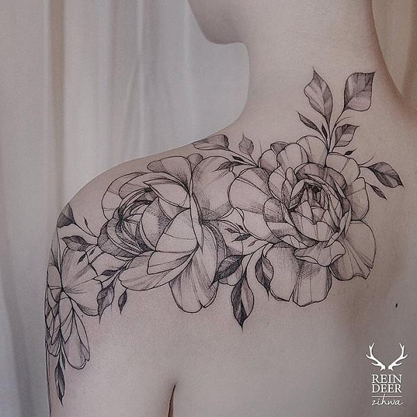 fe1db1468 Rose shoulder tattoo for women - 70 Awesome Shoulder Tattoos ...