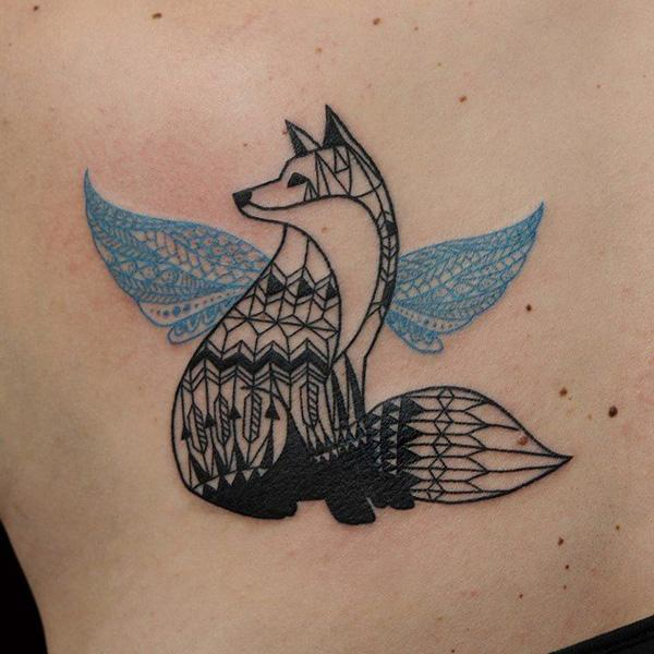 d826c71457e26 50+ Examples of Fox Tattoo | Art and Design