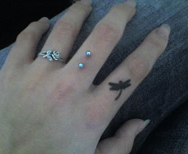 55 Cute Finger Tattoos Art And Design