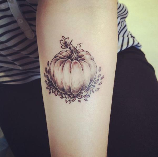 Pumpkin moon tattoos pictures to pin on pinterest tattooskid for Tattoos of pumpkins