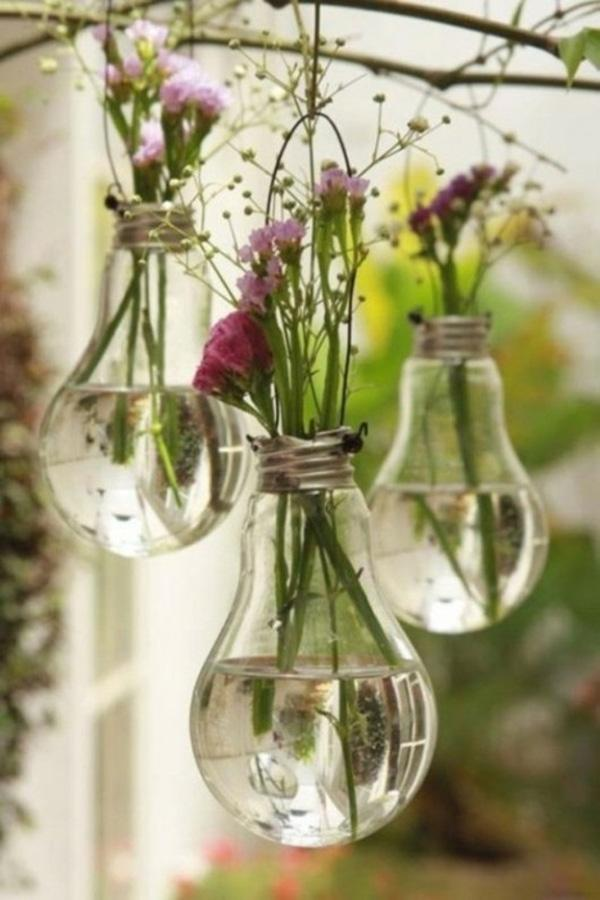 11 lightbulb flower holder