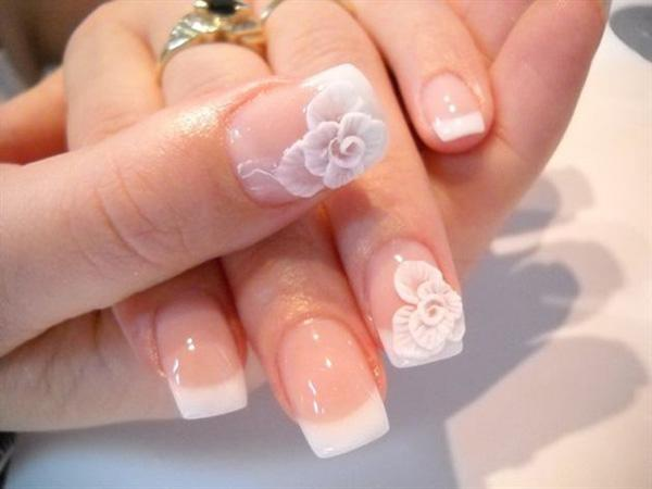 71 3D Flower French Manicure