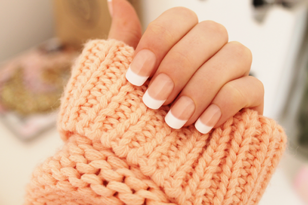 9 French Manicure