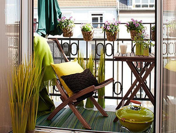 Amazingly-Pretty-Decorating-Ideas-for-Tiny-Balcony-Spaces_23