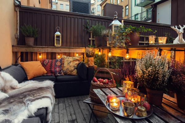 Apartment Balcony Decorating ideas-42