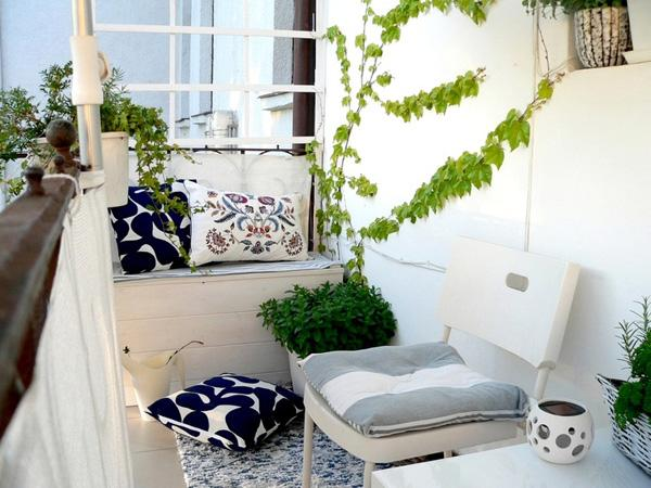 Apartment Balcony Decorating ideas-54