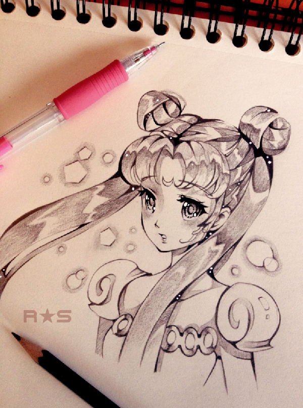 Amazing traditional art  by reiraseo. Only using a ballpoint pen, the carious ink shading used on this traditional art is very impressive. The contrasting soft and hard shadowing also adds to the illusion of a dreamy background surrounding Sailor Moon.