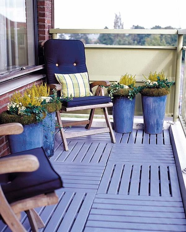 A Cool Looking And Definitely Eye Catching Apartment Balcony Décor. The  Wonderful Blue Colors Blend ...