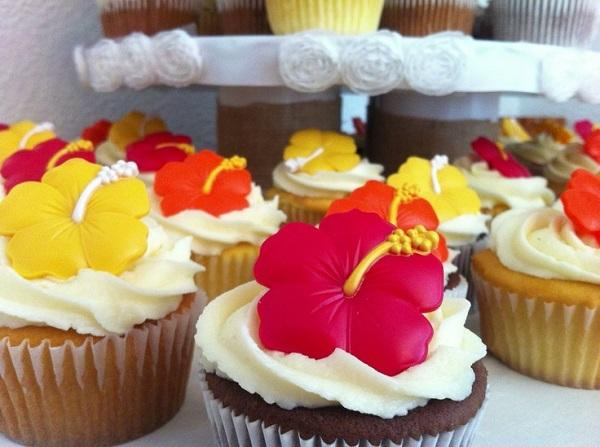 Summer Birthday Party For Girls_Flower Cupcakes