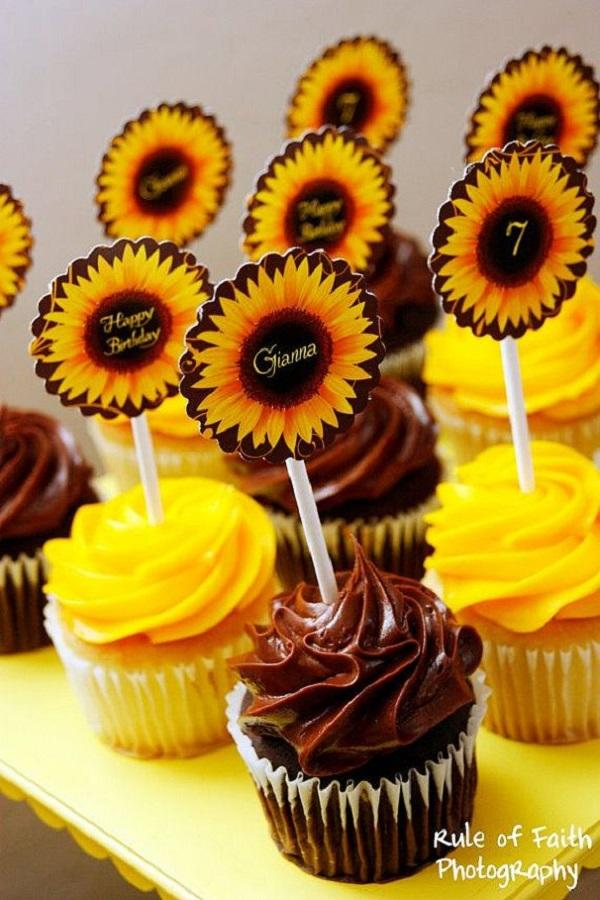 Summer Birthday Party For Girls_Sunflower Cupcakes