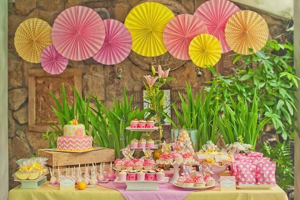 Summer Birthday Party For Girls_Sunshine & Lemonade Theme