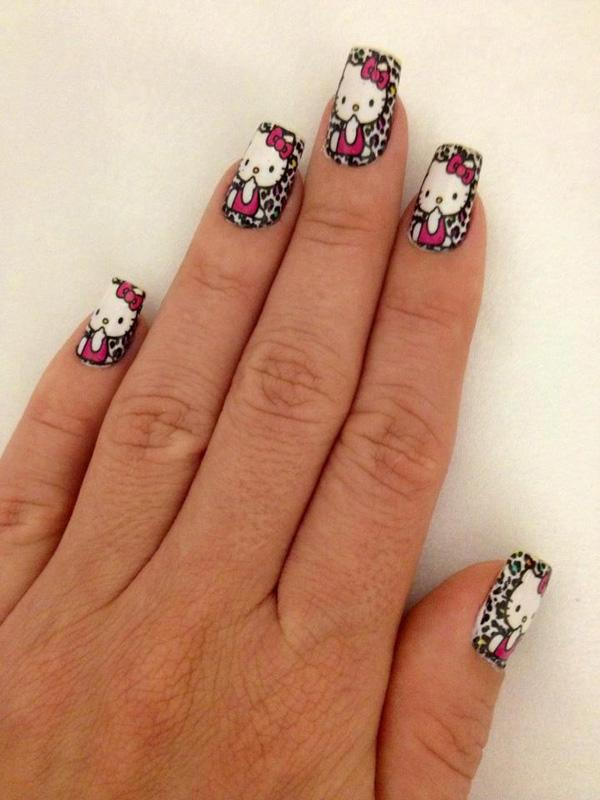 hello kitty nail-9
