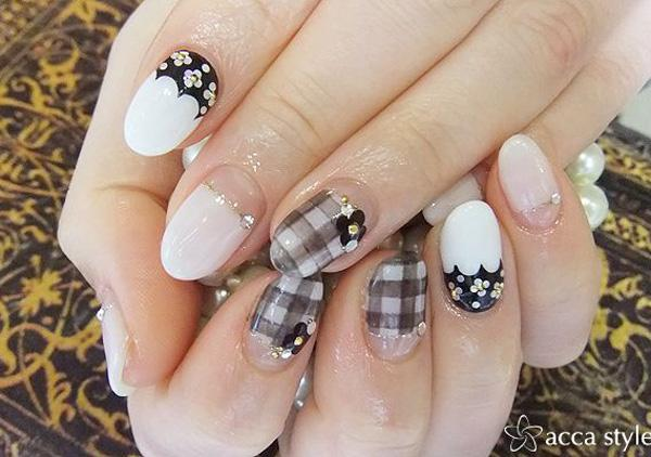 Cute Gingham Nail Designs-4