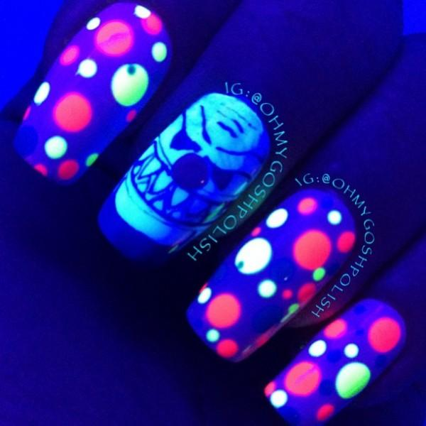 Glow in the Dark Evil Clown Nails