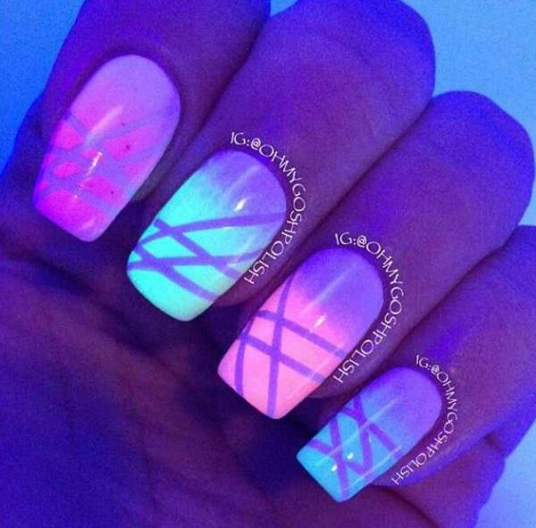 Glow in the Dark Gradient Striping Tape Manicure