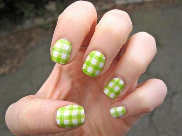 Green Gingham Nail Art