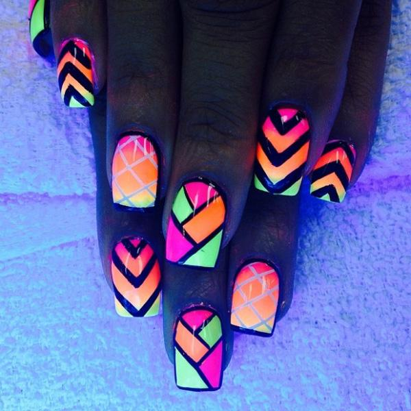 30+ Eye-catching glow nail art designs | Art and Design