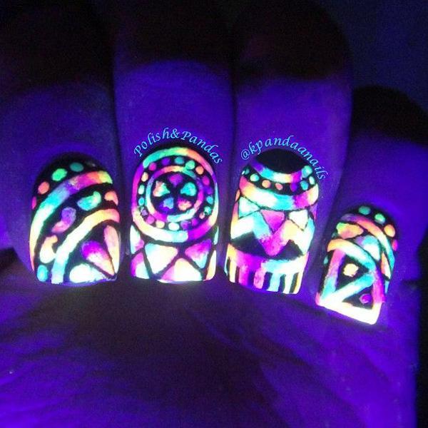 glow nails-16