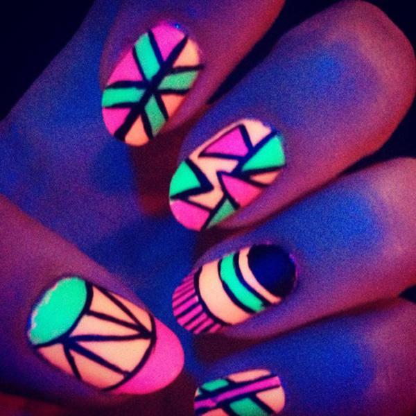 glow nails-2