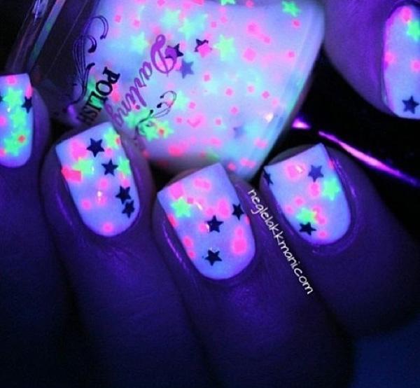 glow nails-8
