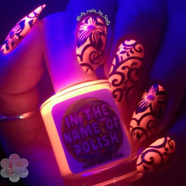 glow nails-9