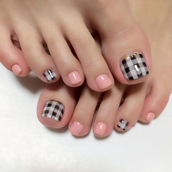 A cute gingham themed toenail art design. The gingham design uses black and  white polishes ... - 50 Pretty Toenail Art Designs Art And Design