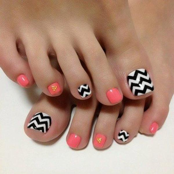 a simple but classic looking toenail art design make use of melon