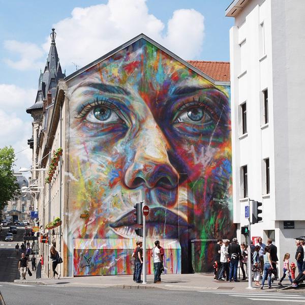David Walker creates a giant mural in Nancy, France