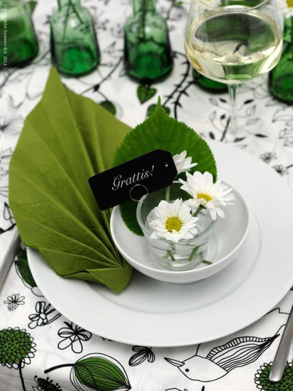 Leaves napkin folding idea