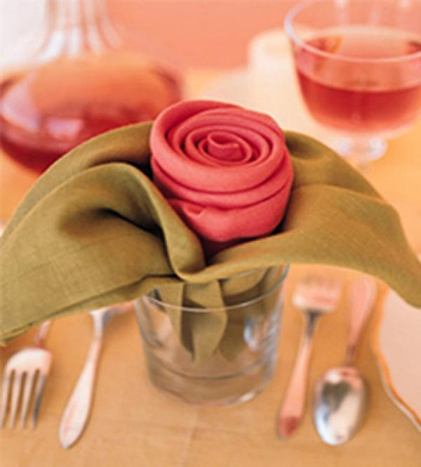 35 Beautiful Examples Of Napkin Folding Art And Design