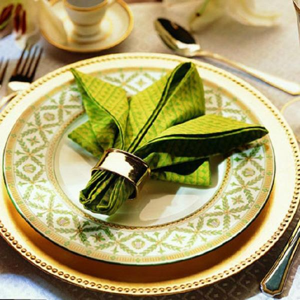 Napkin Fold Tutorials -- Impress your guests with beautifully folded napkins