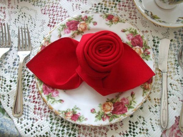 Napkin Folding - a Rose