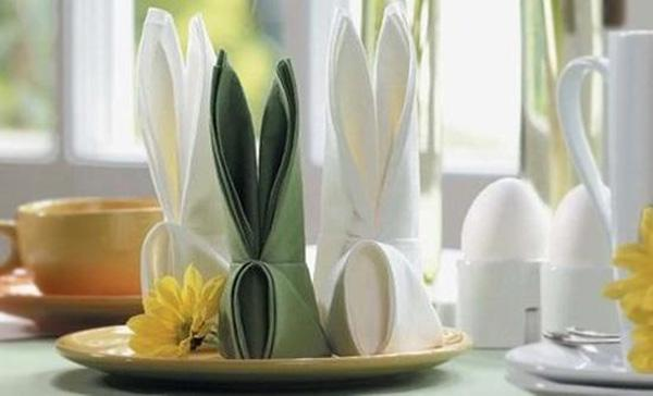 easter-decorations-bunny-napkin-folding-ideas-7