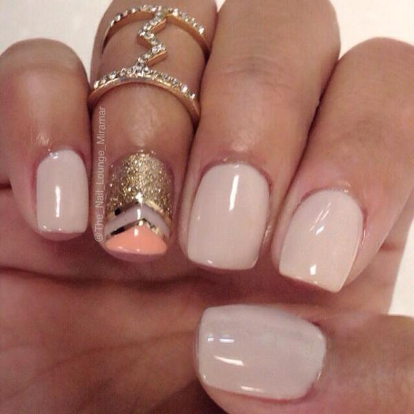 nude color+orange metallic manicures