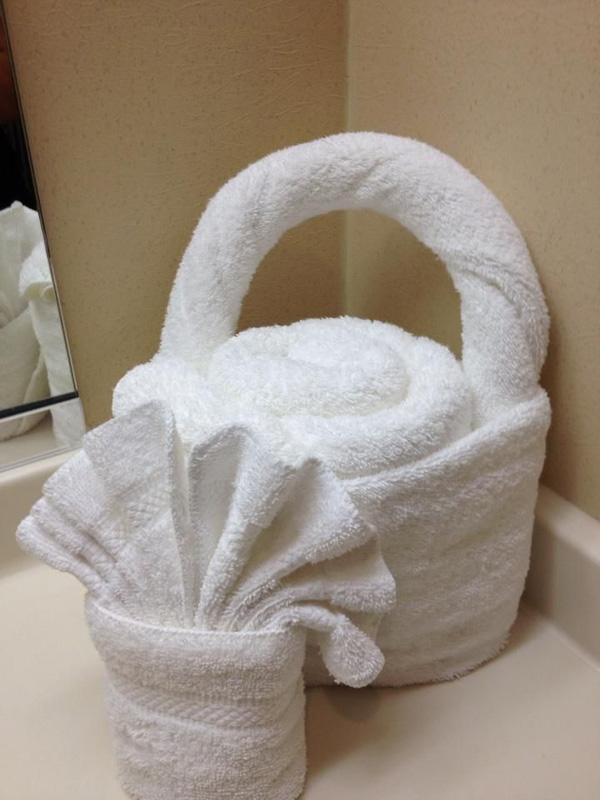 some cool hotel towel folding