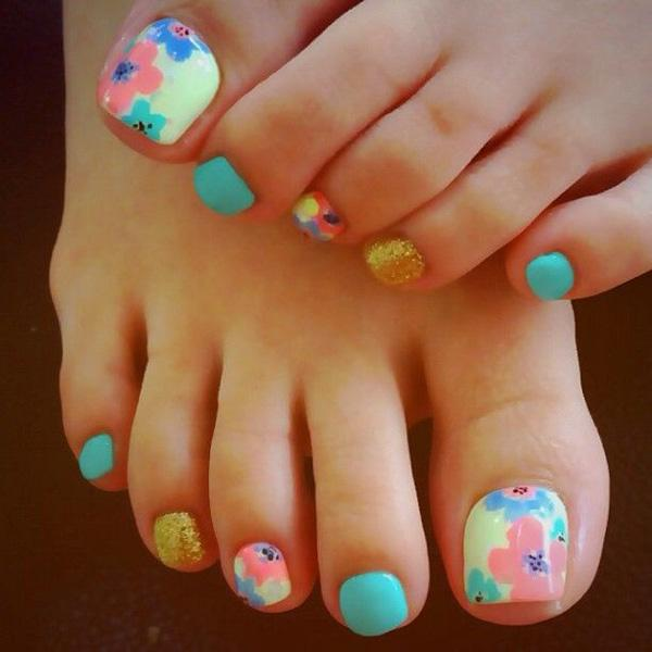 A Very Homey Looking Toenail Art Design Make Use Of Light Baby Colors Such As