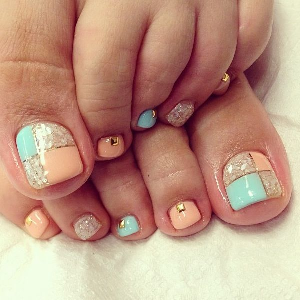 A very interesting and beautifully created toenail art design. An almost  gingham like design that ... - 50 Pretty Toenail Art Designs Art And Design