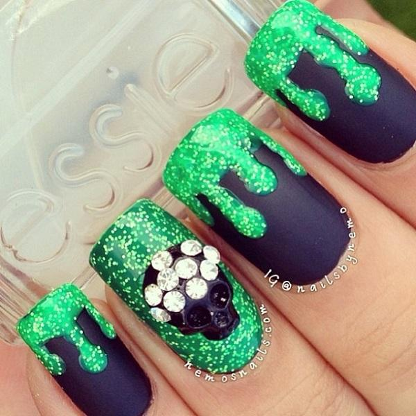 black with green glitter nail-31