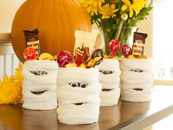 Halloween Party Favor Mummy Candy Cans