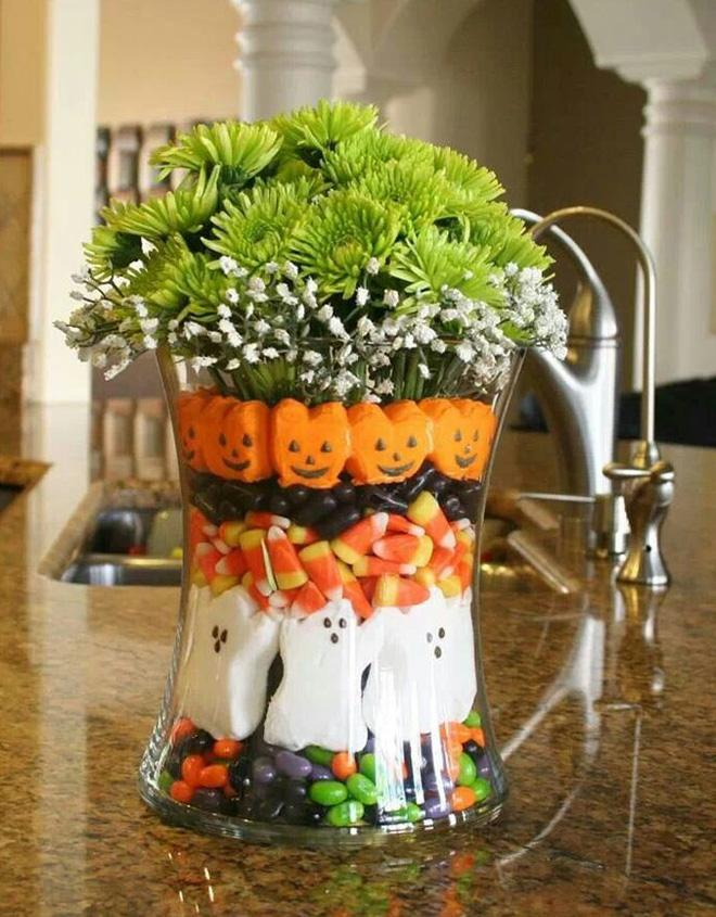 Table decorations for Halloween wedding reception