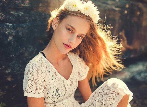daisy by Julia Trotti