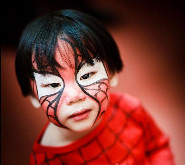 halloween-kids-costume-makeup-spiderman-boys