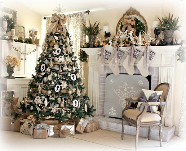 A Christmas Tour & Vignettes
