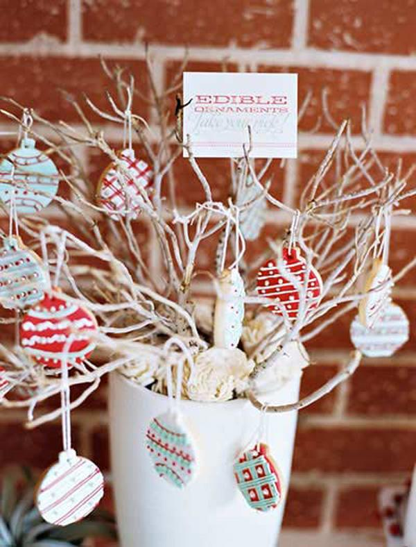 looking for a place where you can hang your christmas candies